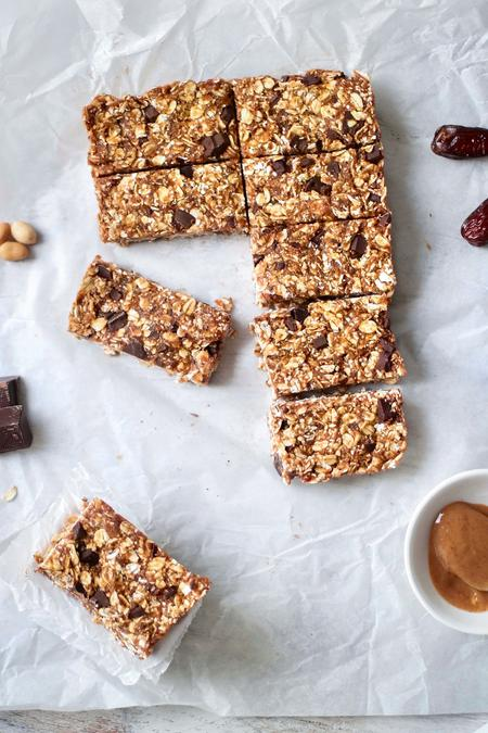image of Chewy No-Bake Peanut Butter Dark Chocolate Oat Bars