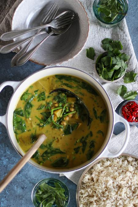 image of Potato & Green Pea Curry